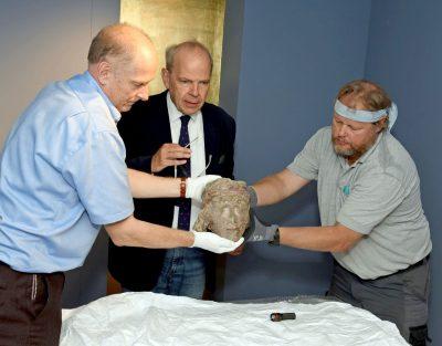 Großartige Leihgaben aus Mainz trafen im Diözesanmuseum ein.