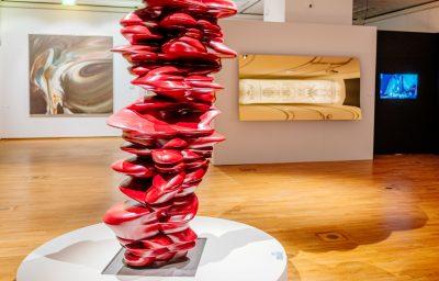 Werke von Gerhard Richter, Tony Cragg, Christoph Brech und Sam Tayler-Johnson in der Paderborner Rubens-Ausstellung 2020. Foto: ©DiözesanmuseumPaderborn/Bezim Mazhiqi